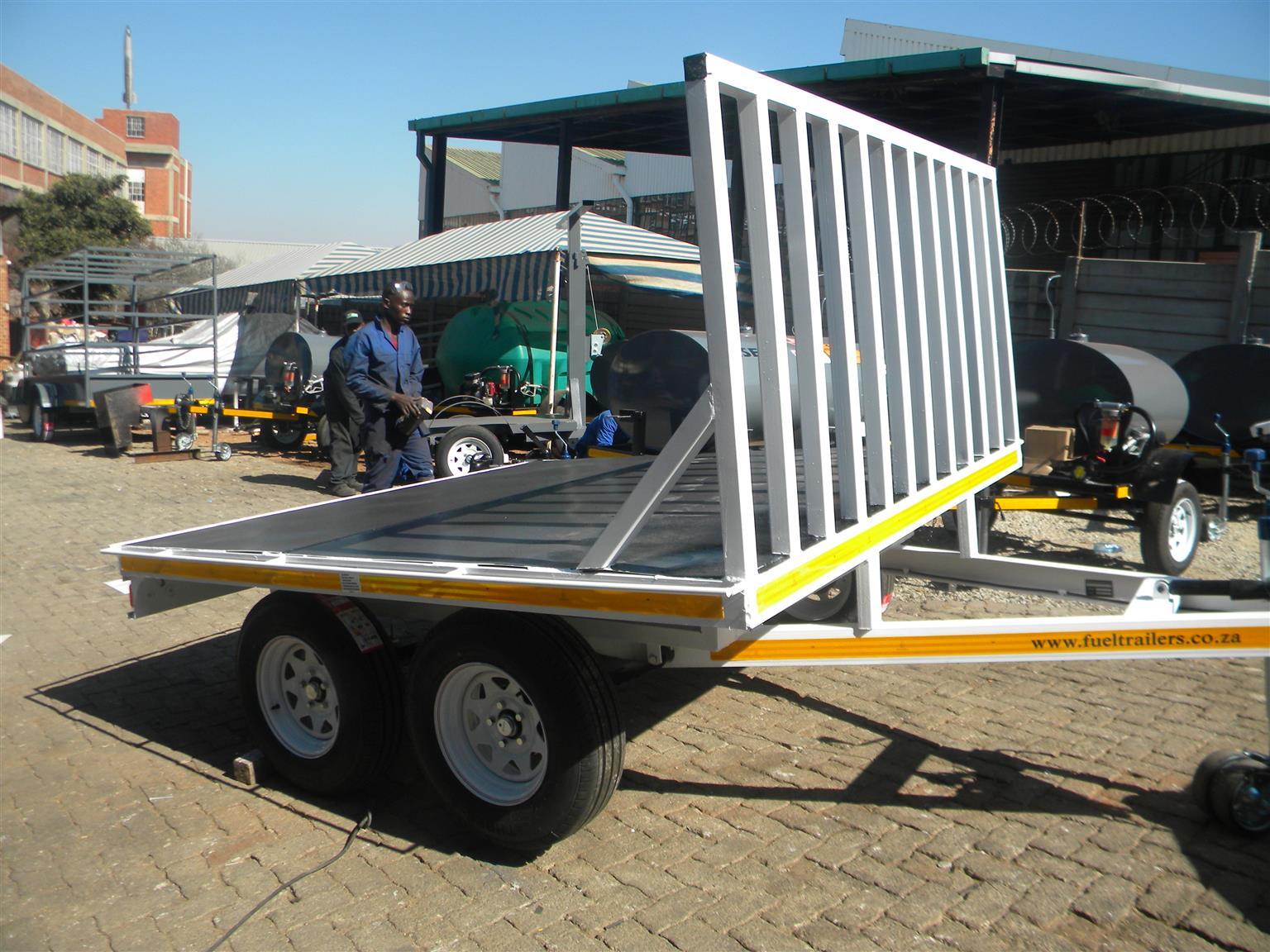 Flat deck trailers
