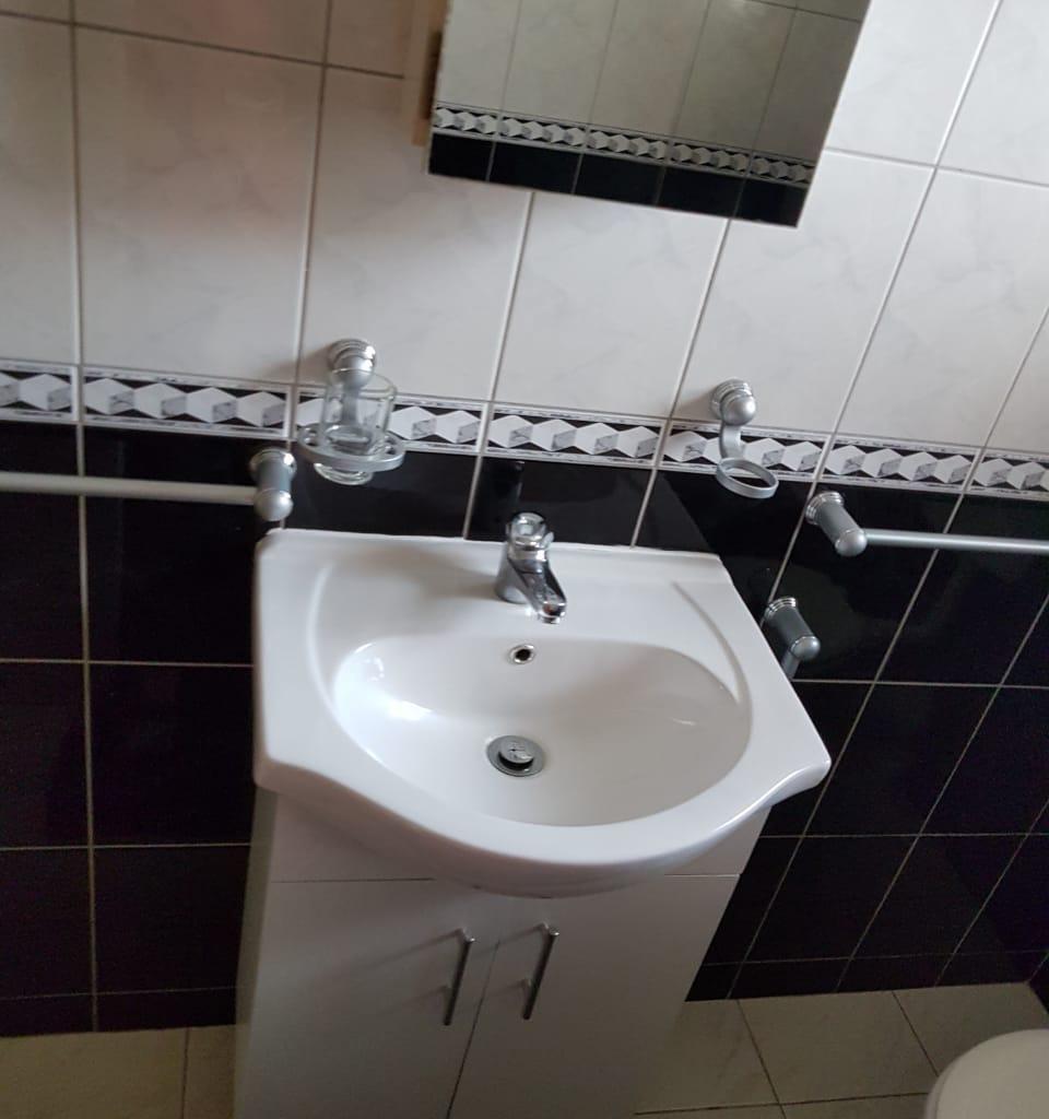 Sunninghill - 2 bedrooms 1 bathrooms garden unit for sale R1100000