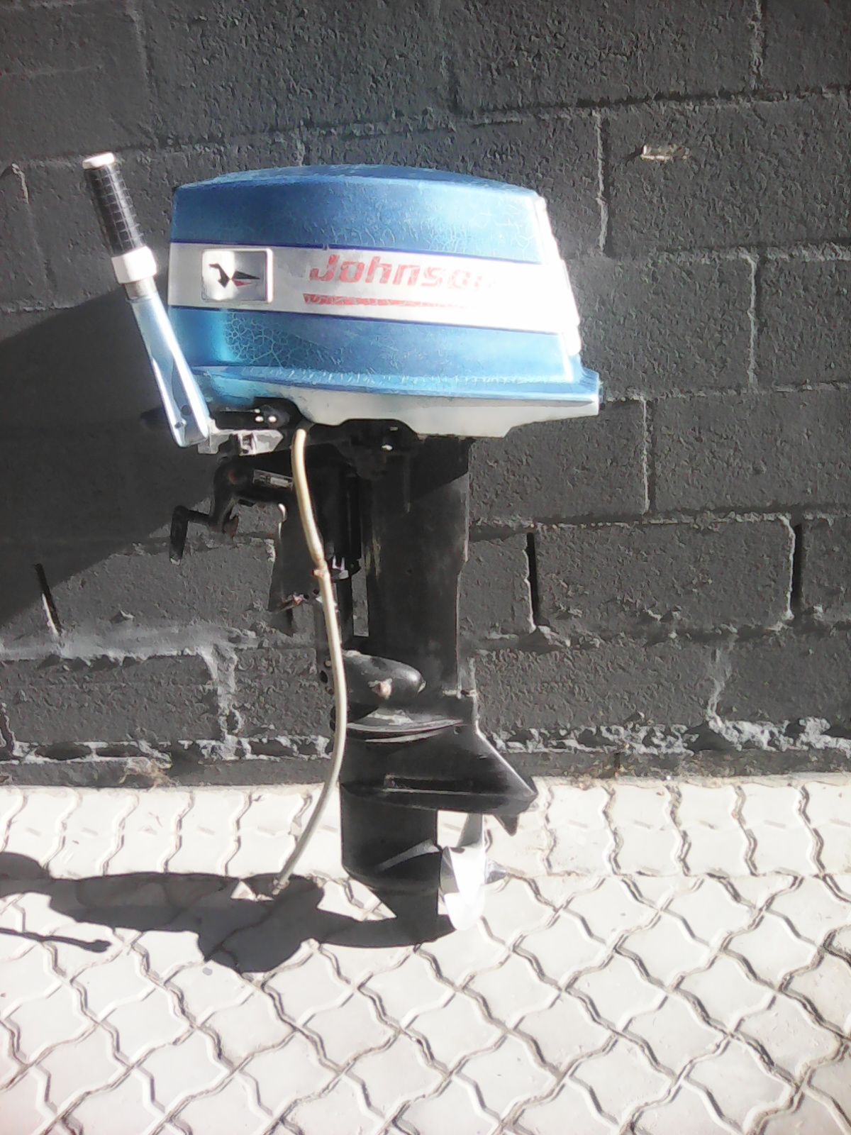 Johnson 20 Hp 2 Stroke Outboard Motor Only