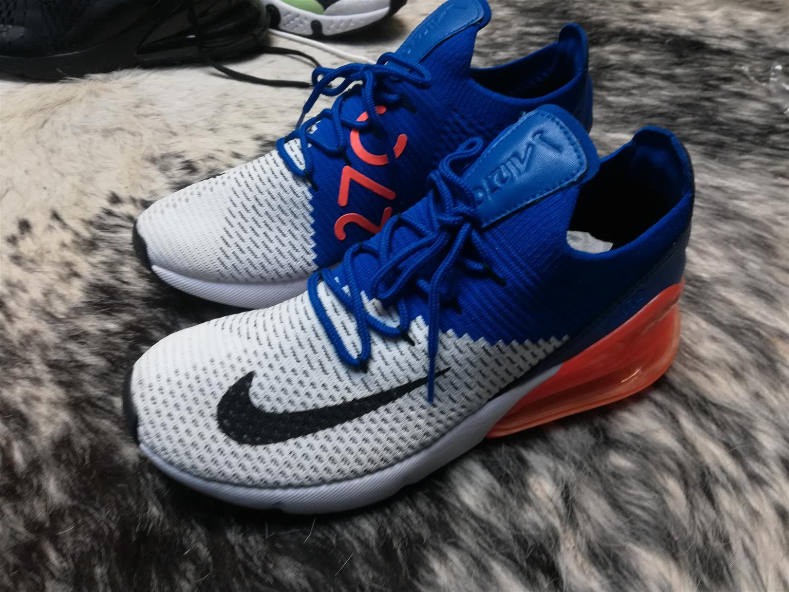 Nike Airmax 270 Flyknit for Sale R850