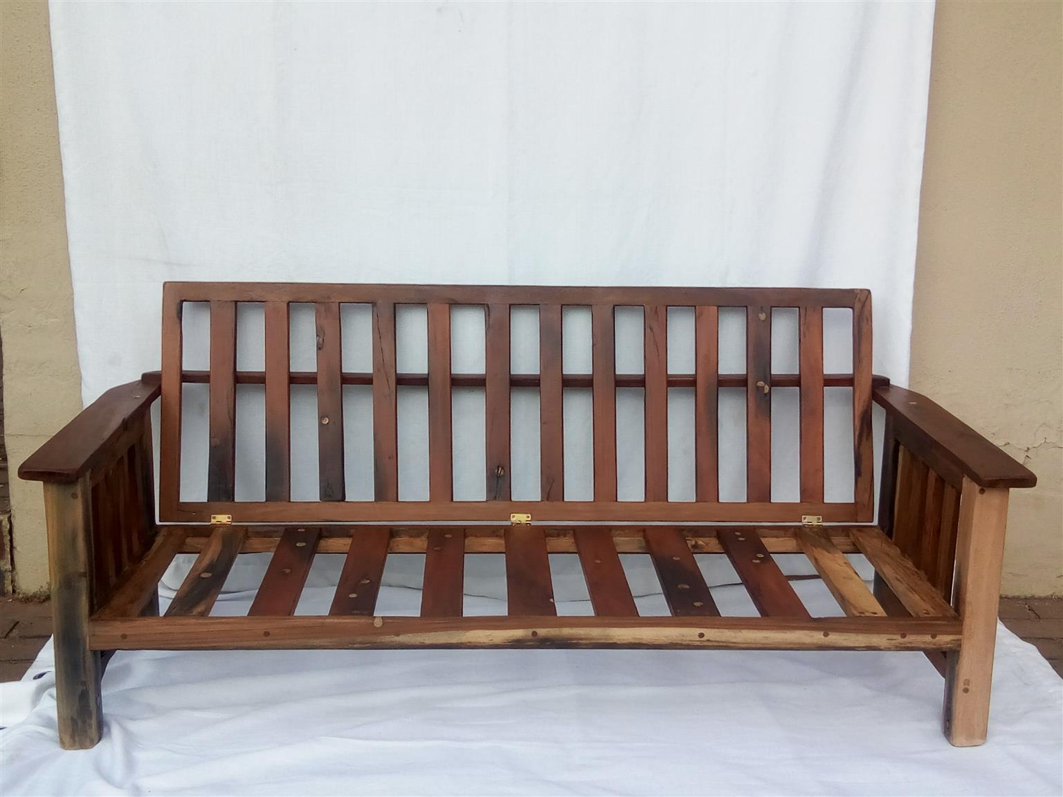 Day Bed. Large