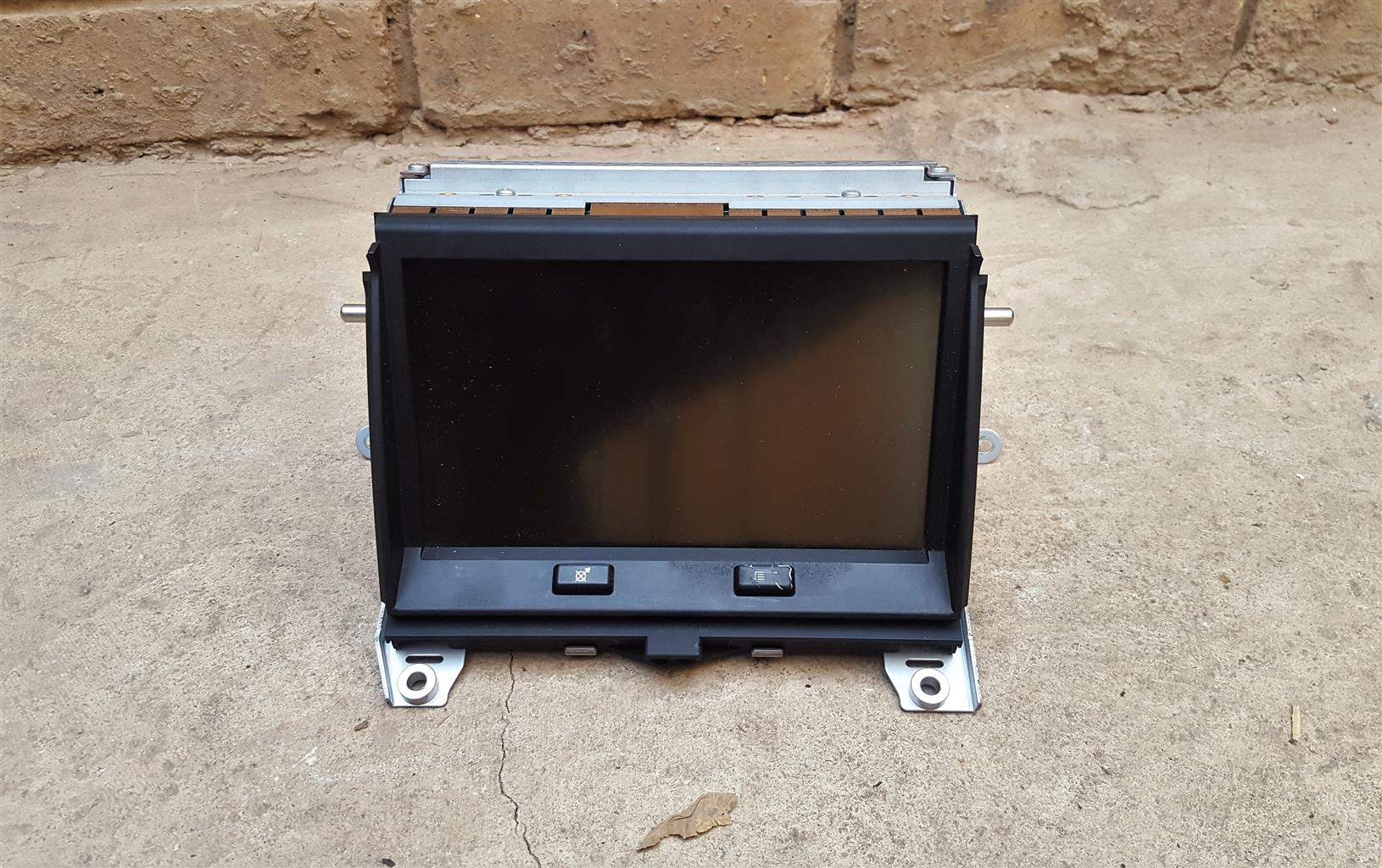 Land Rover Discovery 4 SAT-NAV Screen for sale   AUTO EZI