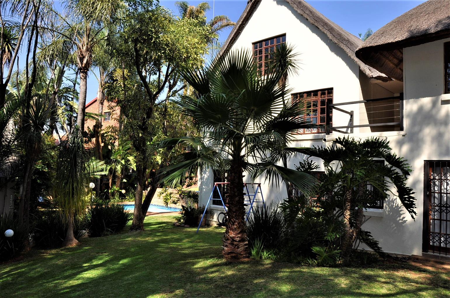 To Let: FULLY FURNISHED 5 Bedroom House In Waterkloof Ridge