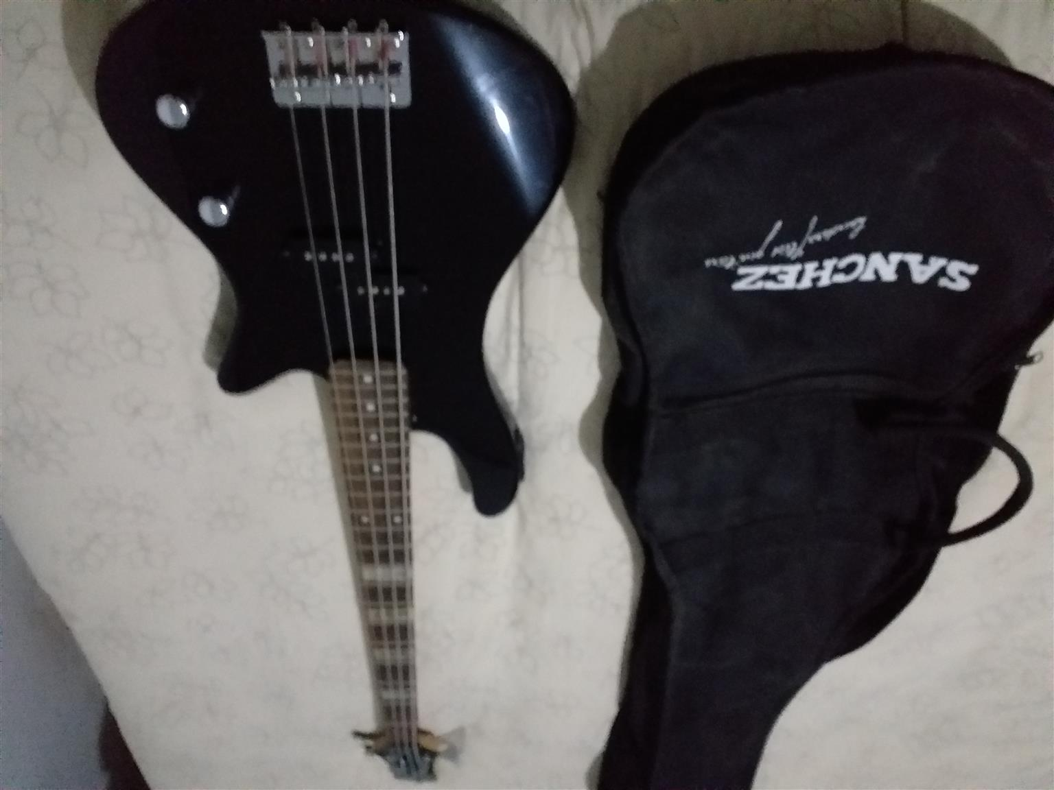 Electric Base Guitar