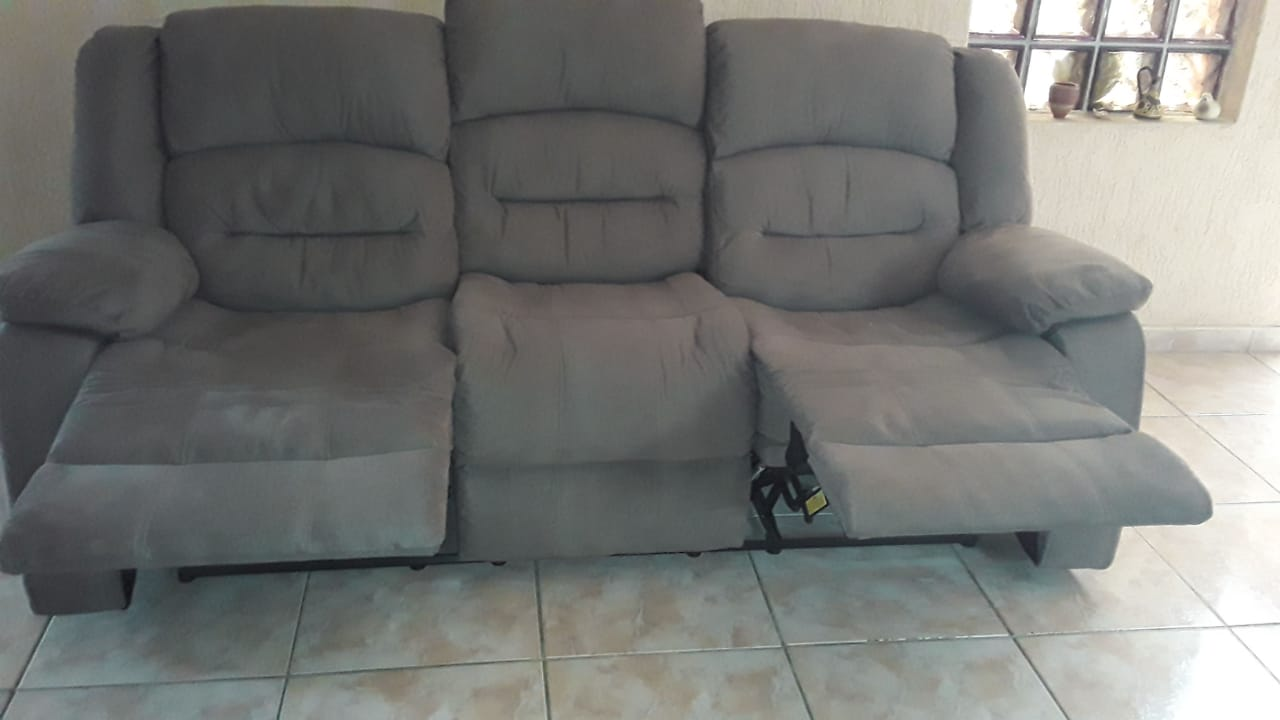 Recliner couches for sale