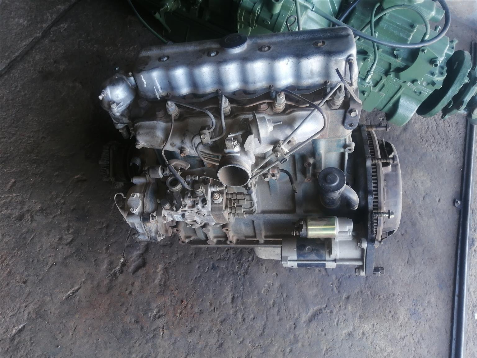 Selling Nissan Ed 33 engine