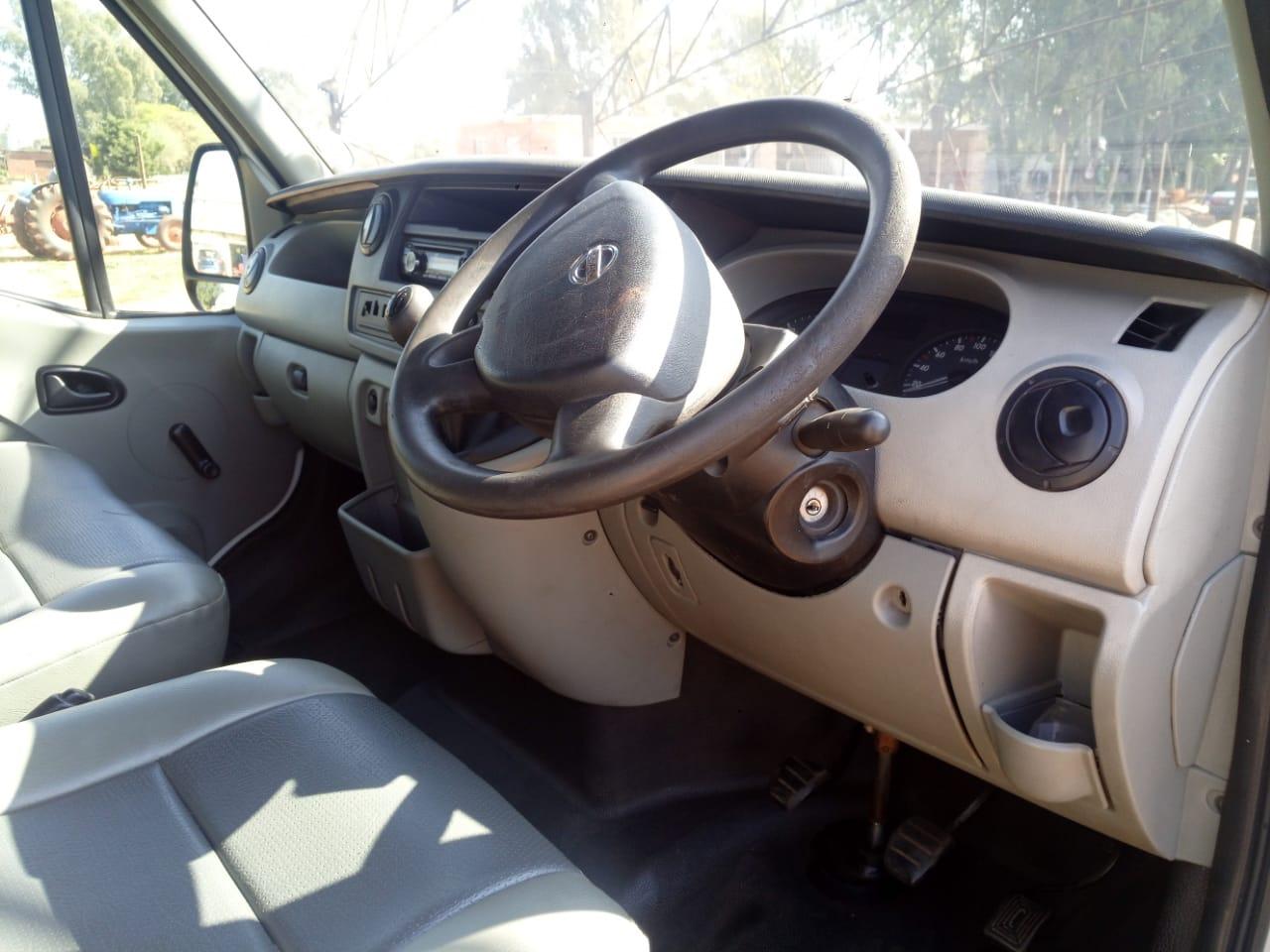 2009 Nissan Interstar