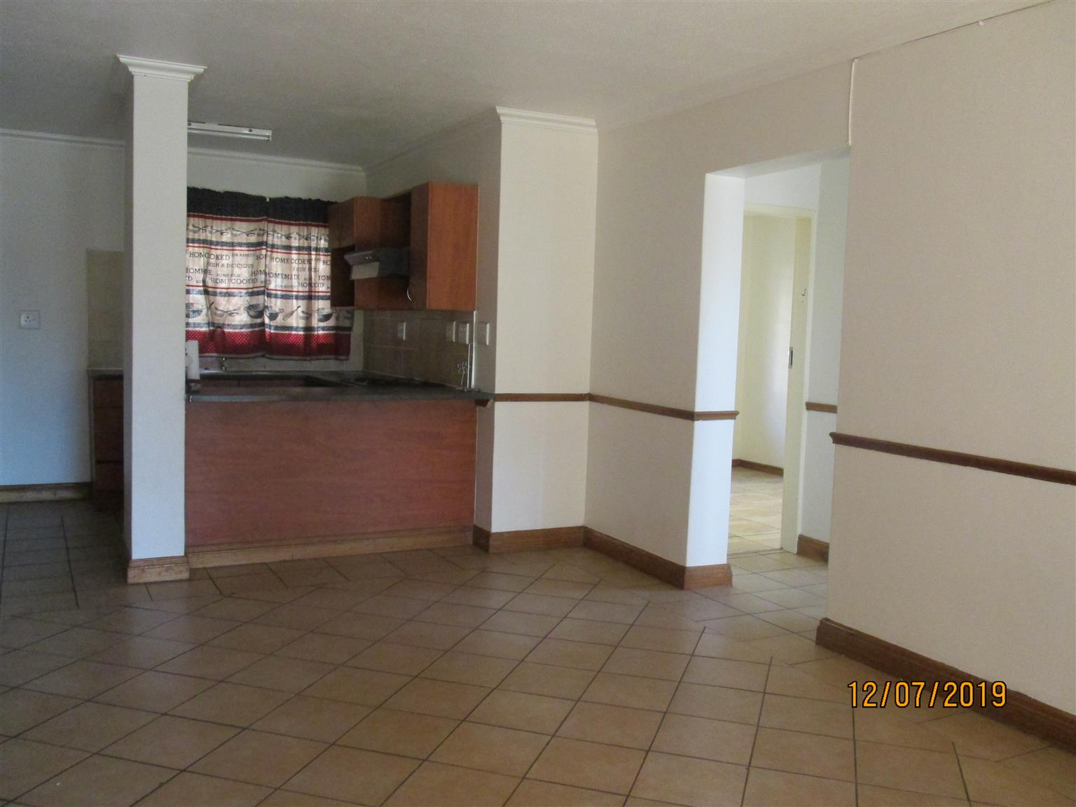Strange 3 Bedroom 2 Bathroom Apartment To Rent Junk Mail Complete Home Design Collection Barbaintelli Responsecom