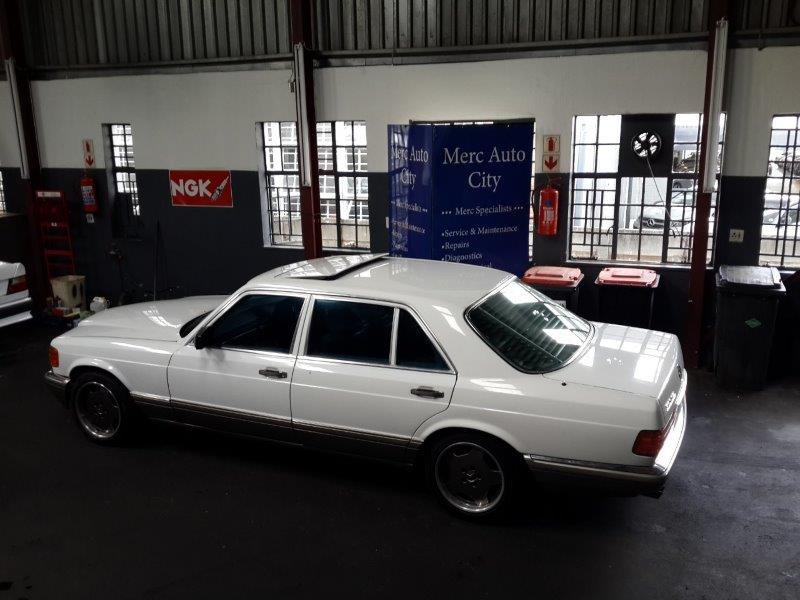 1992 Mercedes Benz W126 560SEL