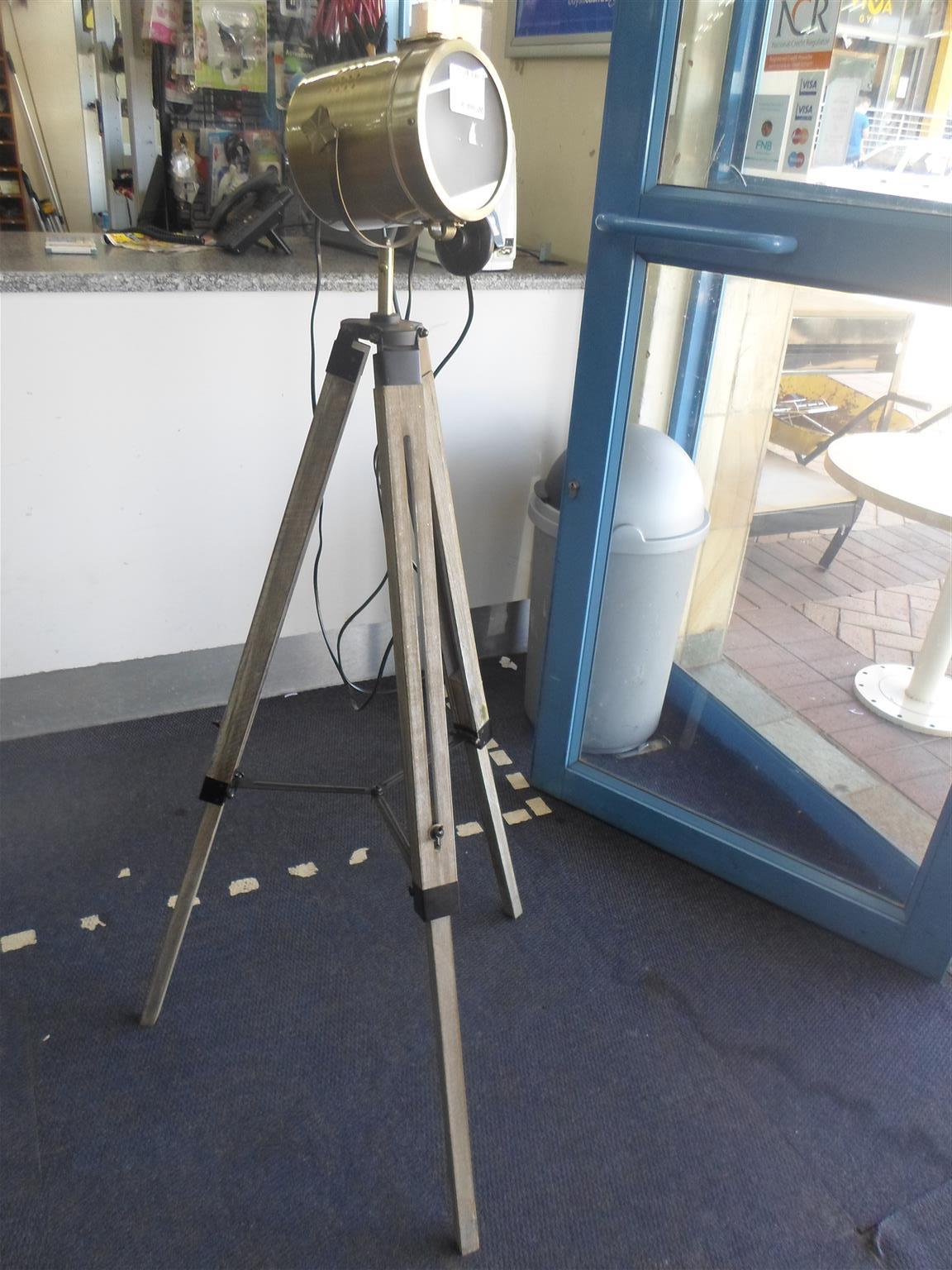 Wooden Tripod Lamp - C033038411-6