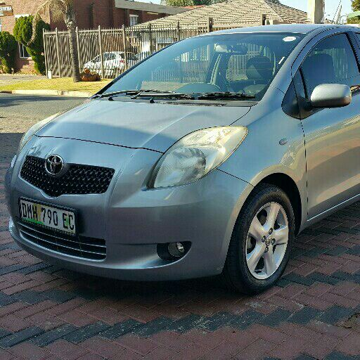 2006 Toyota Yaris hatch Choose for me