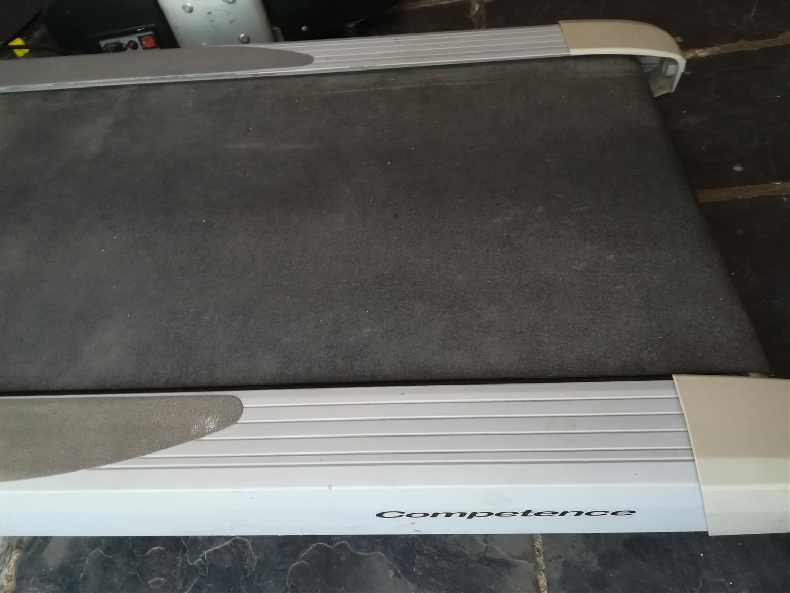 Tunturi T30 Treadmill for sale, very good condition,hardly used.