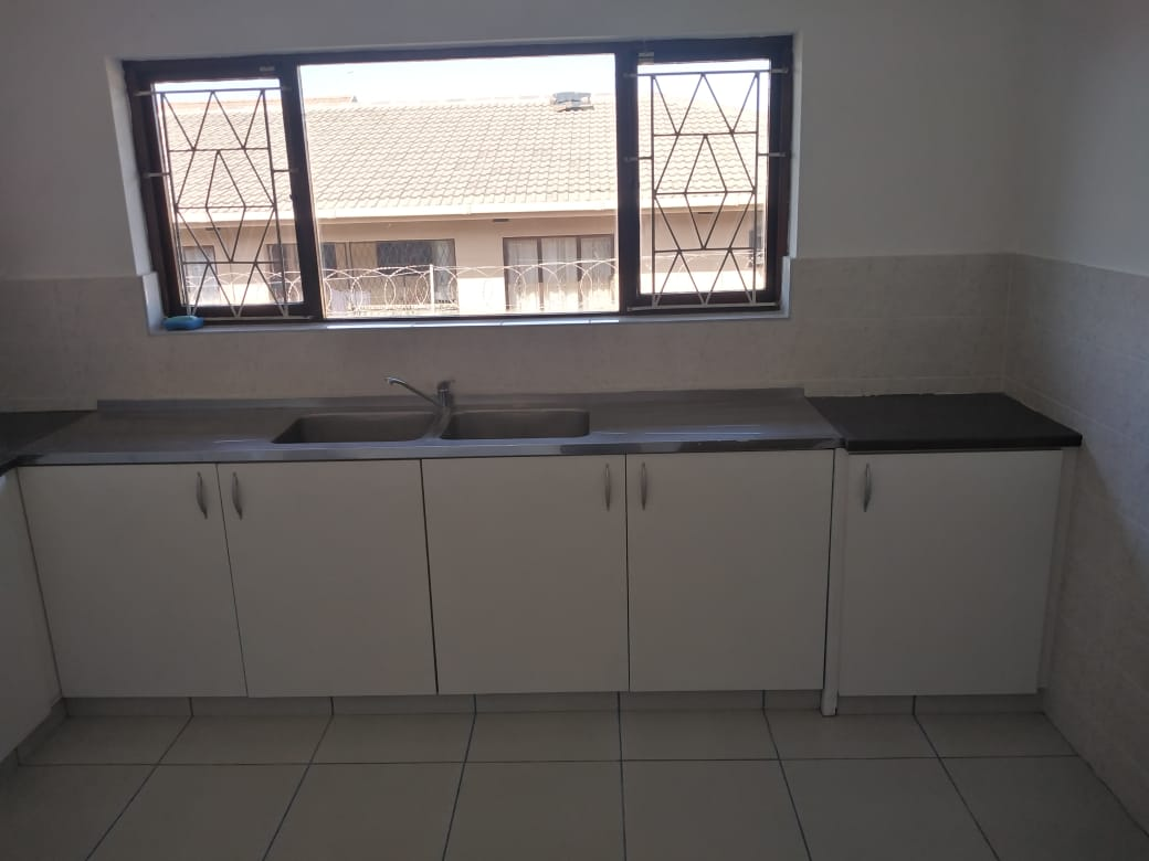 4 bedroom newly renovated secured cottage to rent in isipingo hills R8000