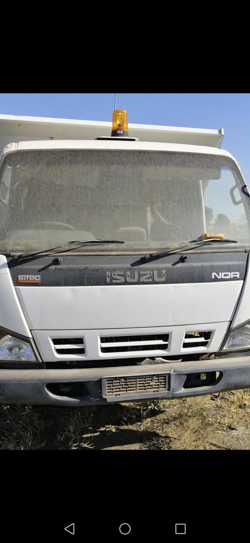 Stripping Isuzu NQR 500