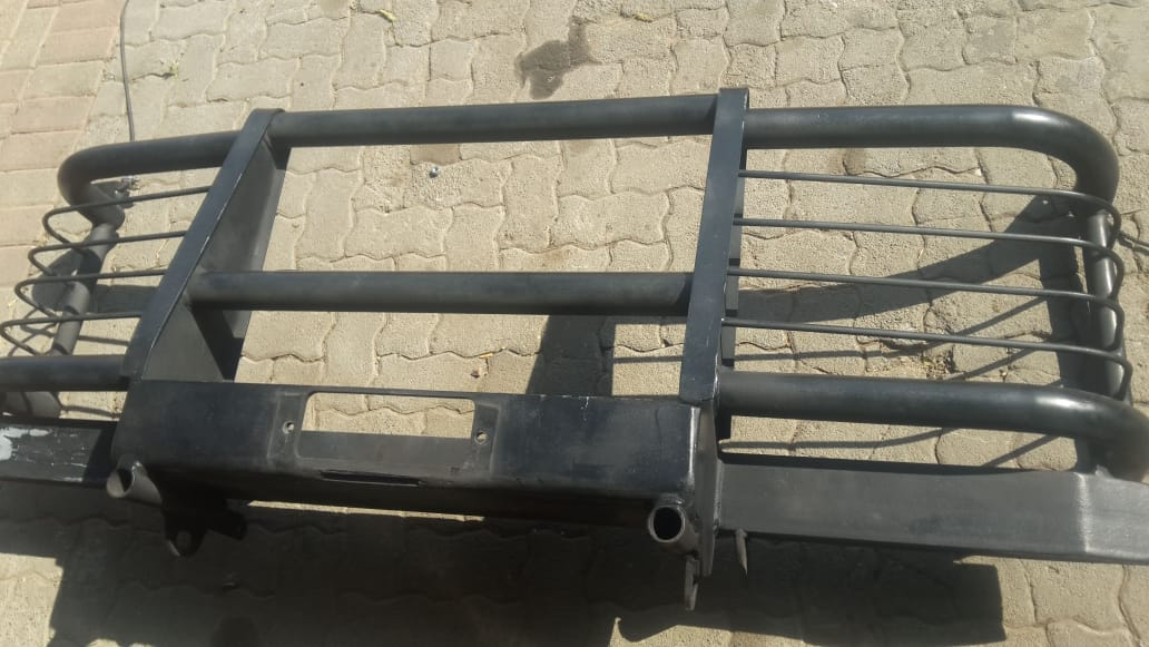 Land Rover used spares - Defender bull bar