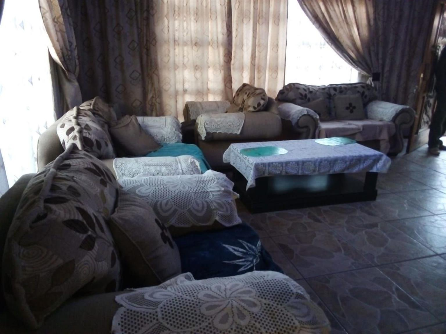 House For Sale in Soshanguve R
