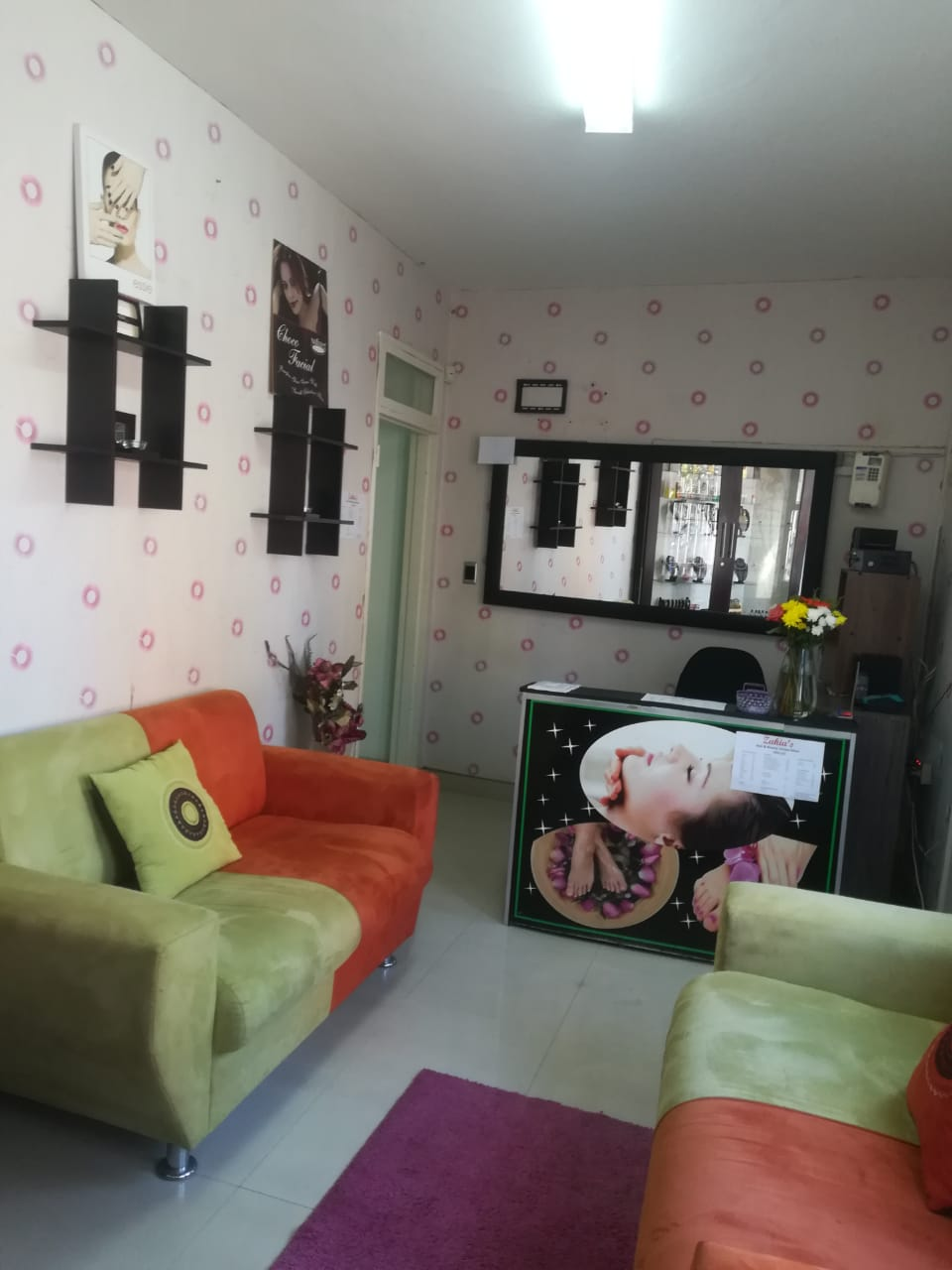 UPMARKET HAIR AND BEAUTY SALON FOR SALE IN OVERPORT