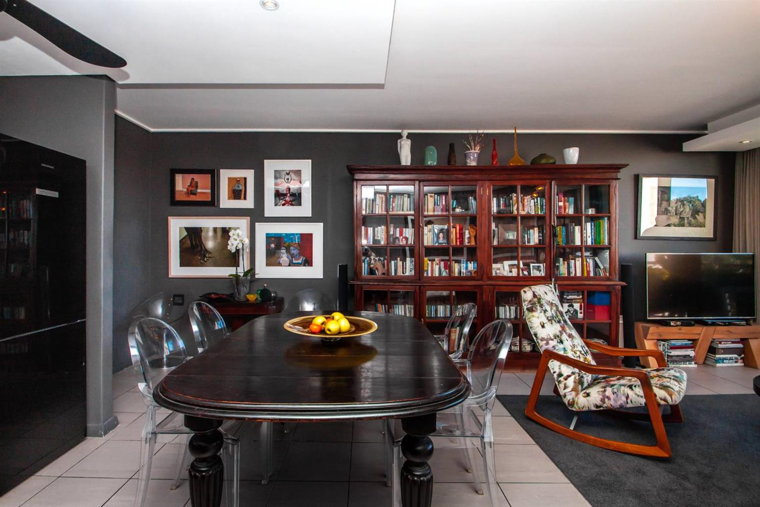 Apartment For Sale in Green Point