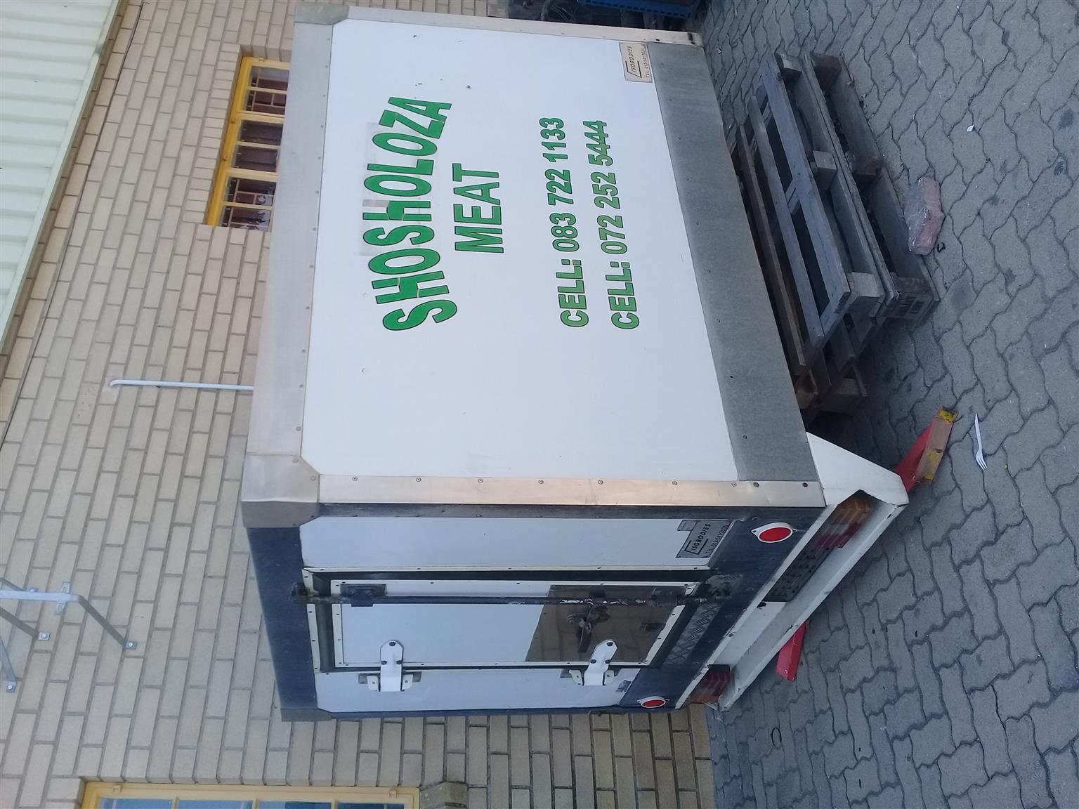 Bakkie Cool box.