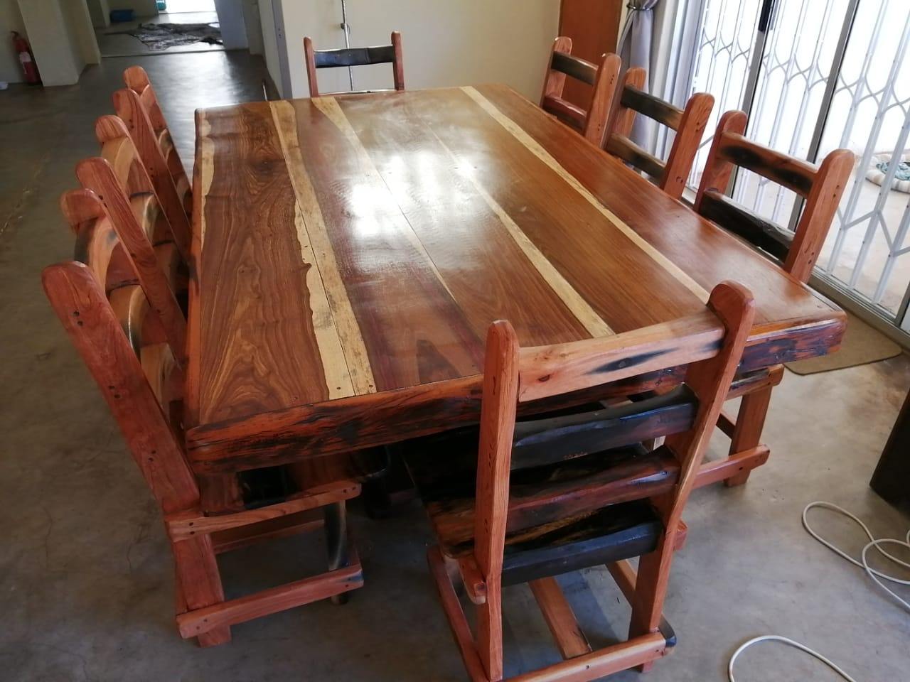 8 seater 2.1×1.2 table