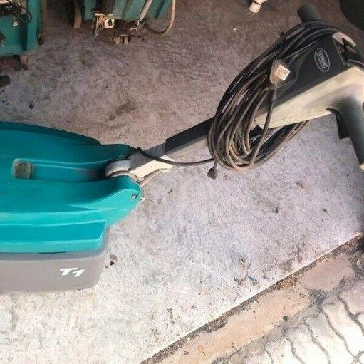 Tennant T1 Floor Scrubber