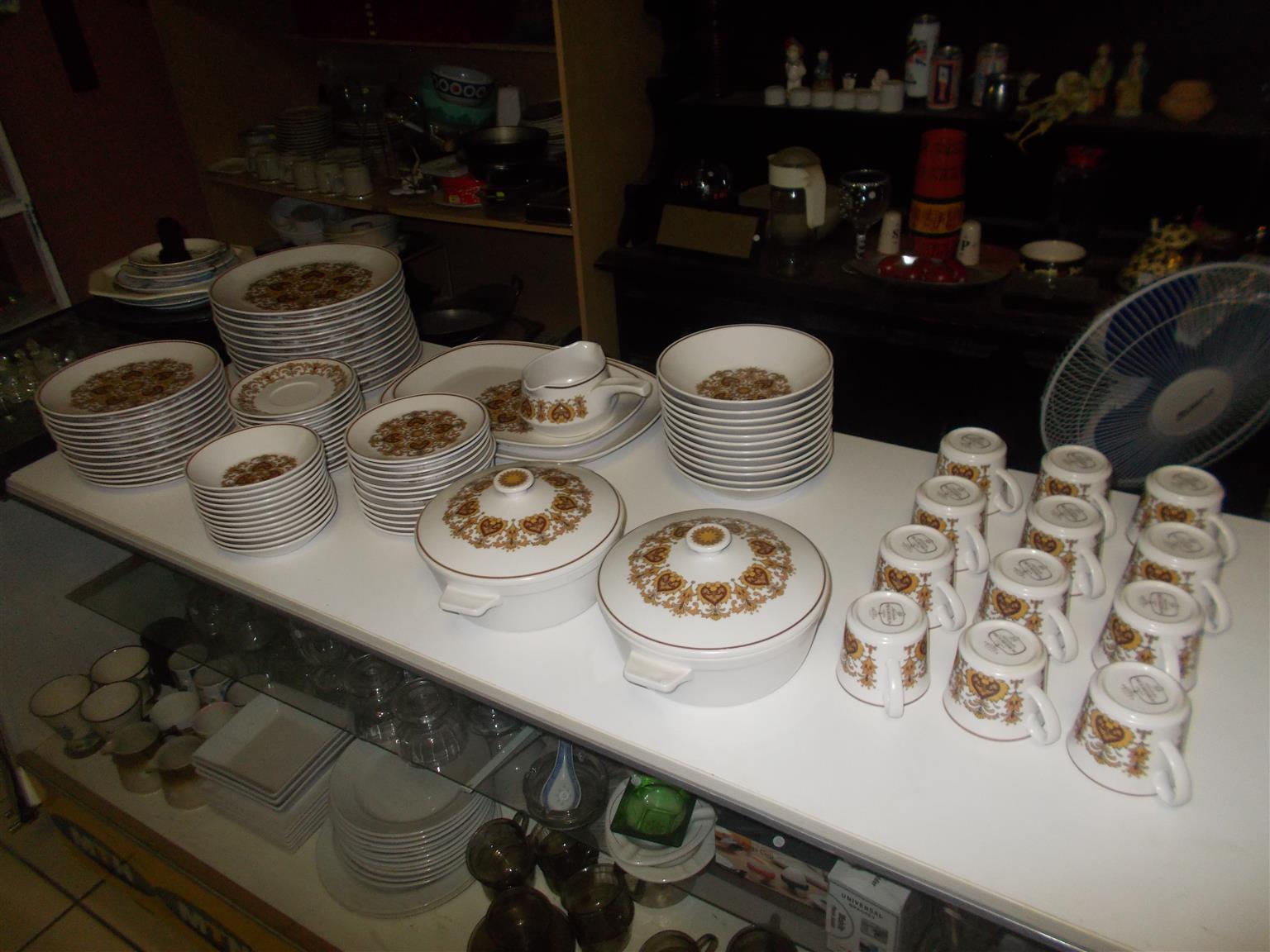 Noritake Dinner Service - 91 Pieces