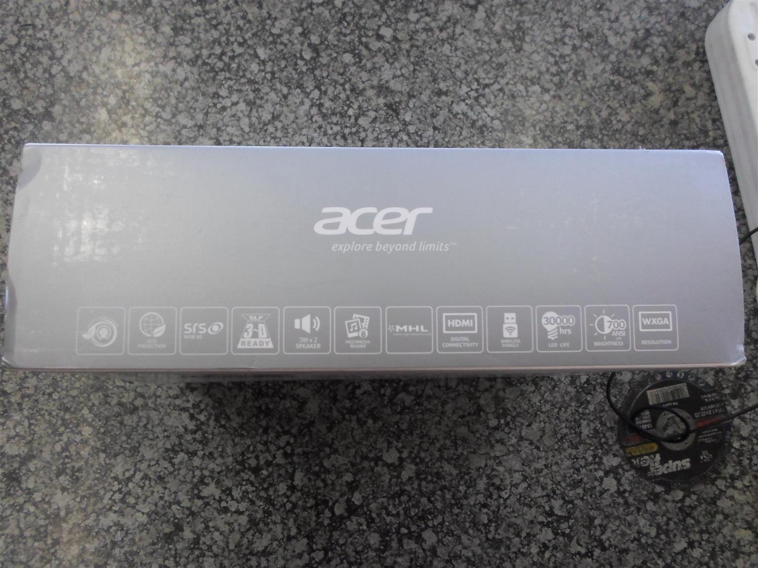 Acer K137i LED Projector