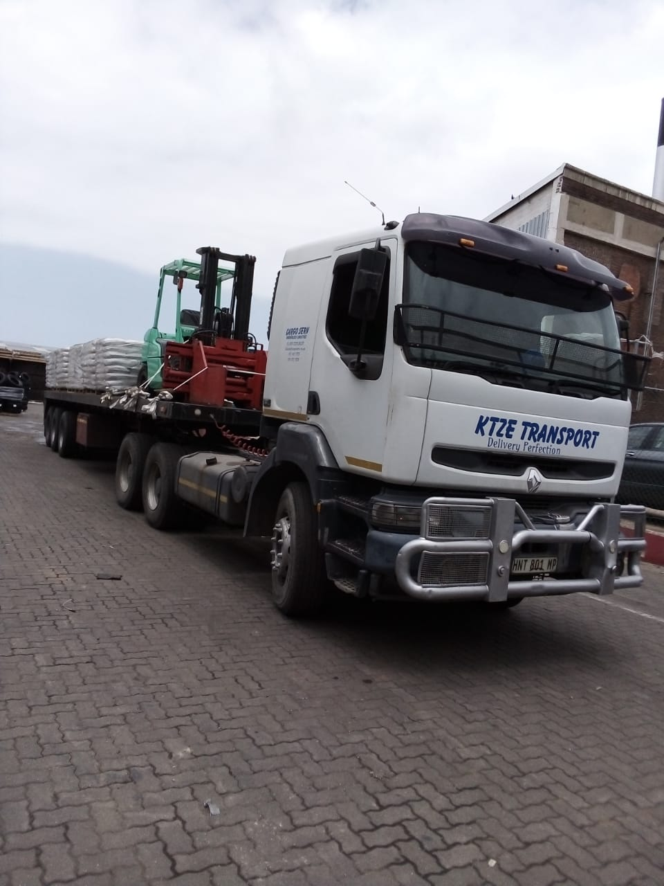 Truck and Tri-Axle Trailer for Sale