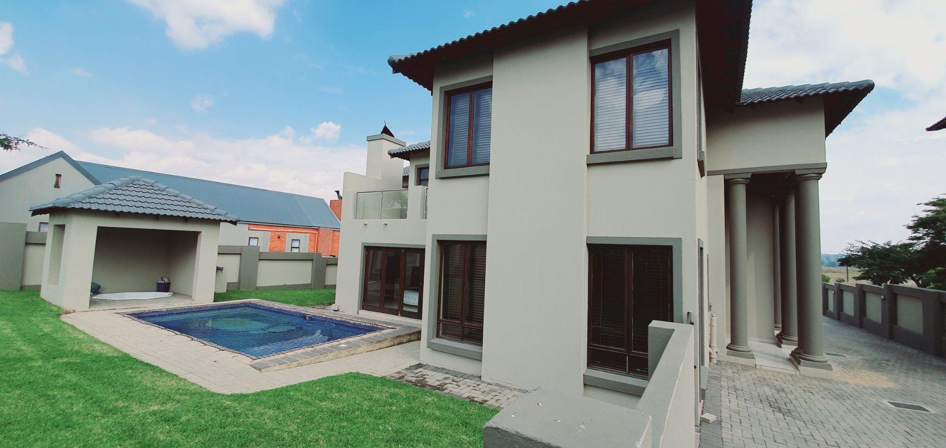 House For Sale in MIDLANDS ESTATE