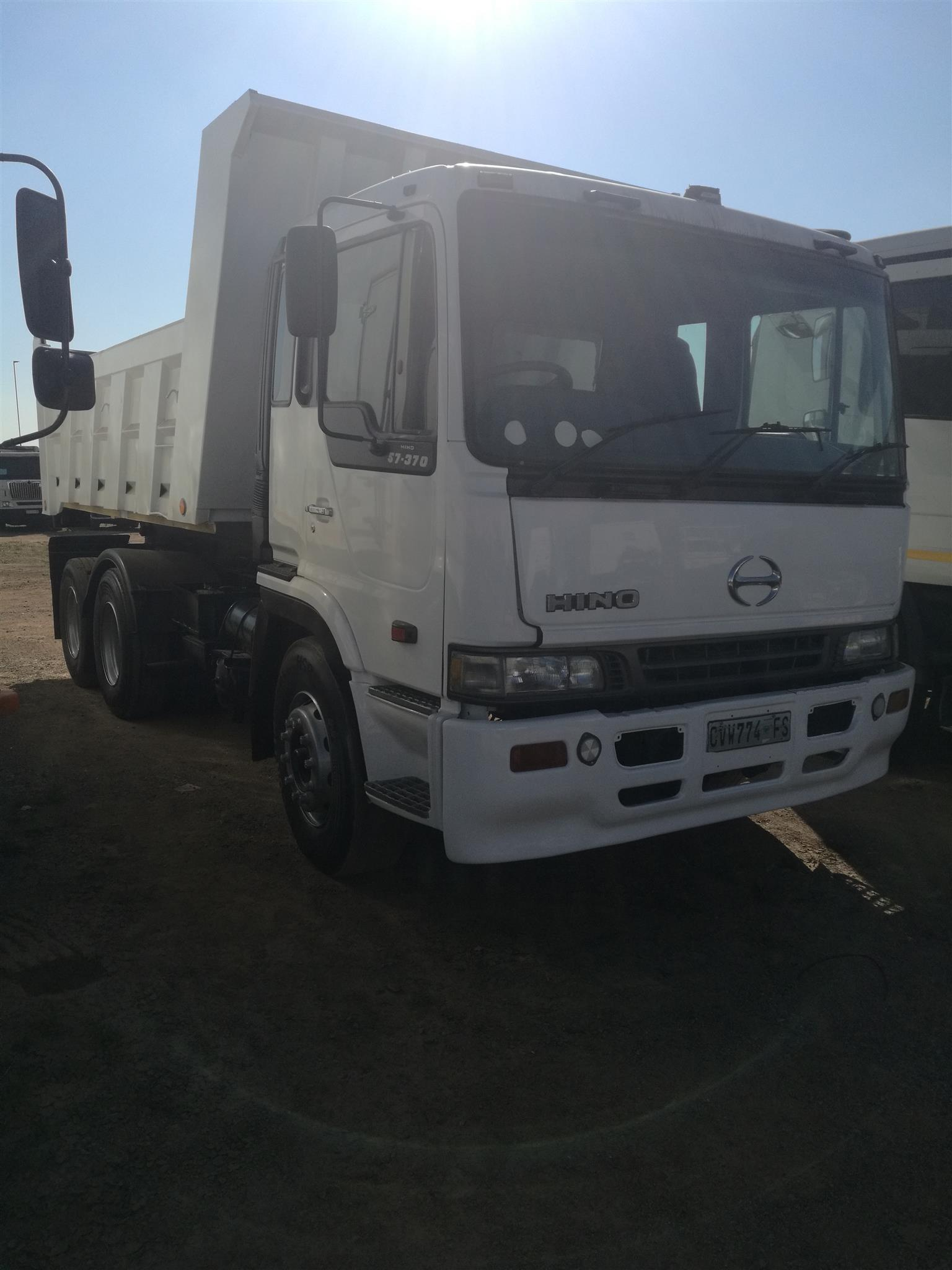 2005 HINO 10 CUBED TIPPER WITH FULL SERVICE HISTORY. MUHAMMAD