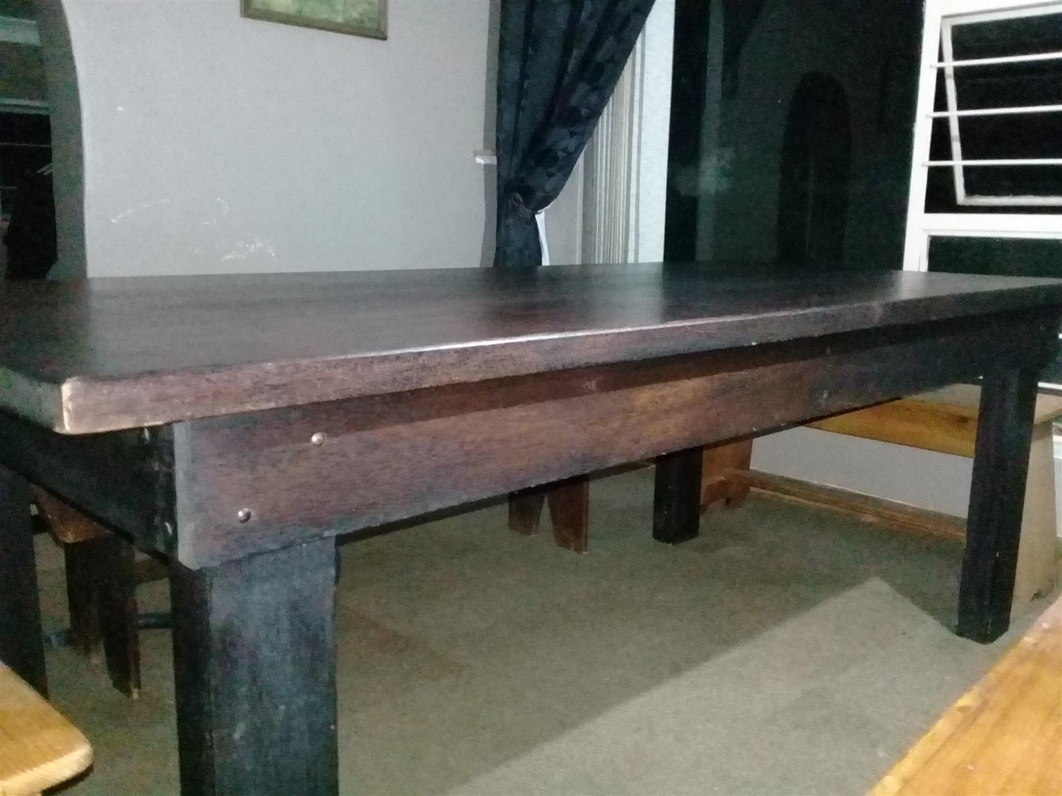 Beautiful Dining room table for sale
