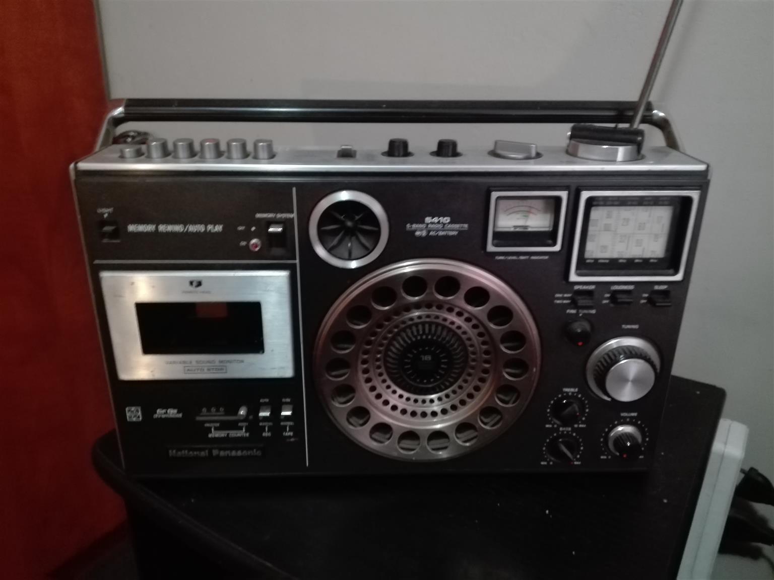 National Panasonic cassette radio - R5410
