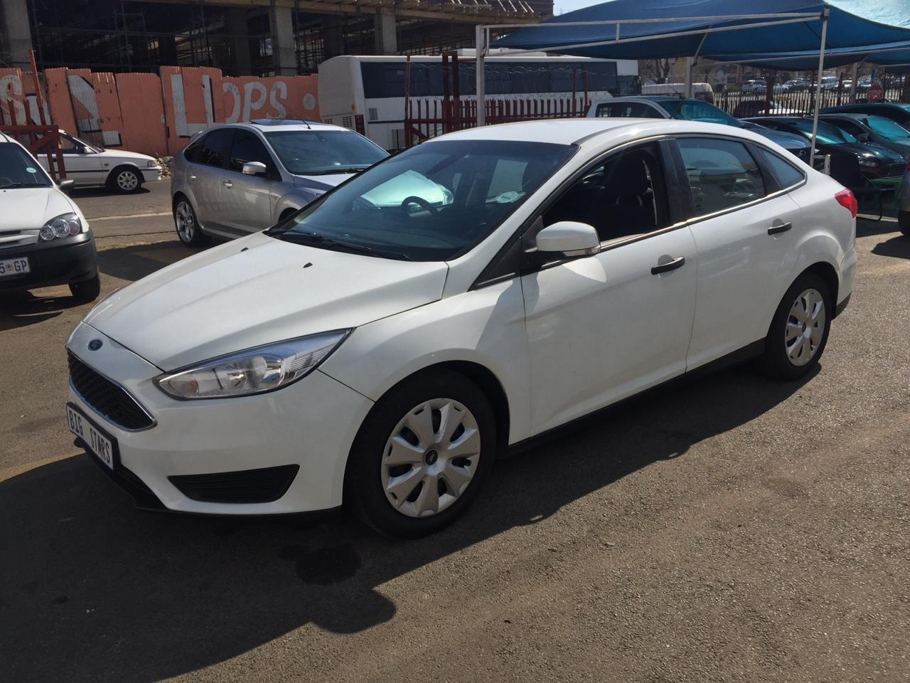 2017 Ford Focus sedan 1.0T Ambiente