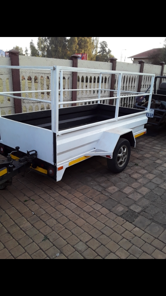 Trailer good working condition no papers im in randfontein