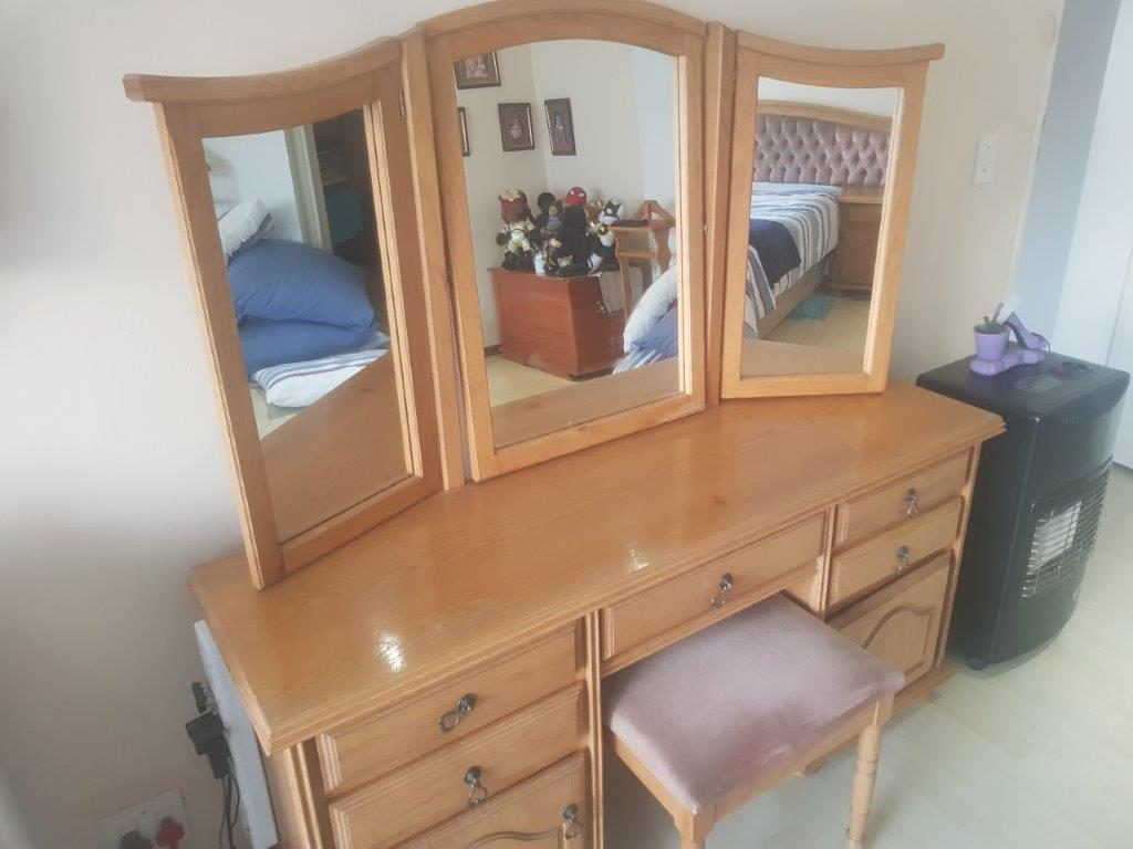 Oak Bedroom Suite