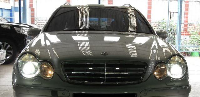 Mercedes-Benz C-Class W203 HID XENON HEADLIGHT BULBS D1S Crystal White  6000K PRICE R495 PAIR