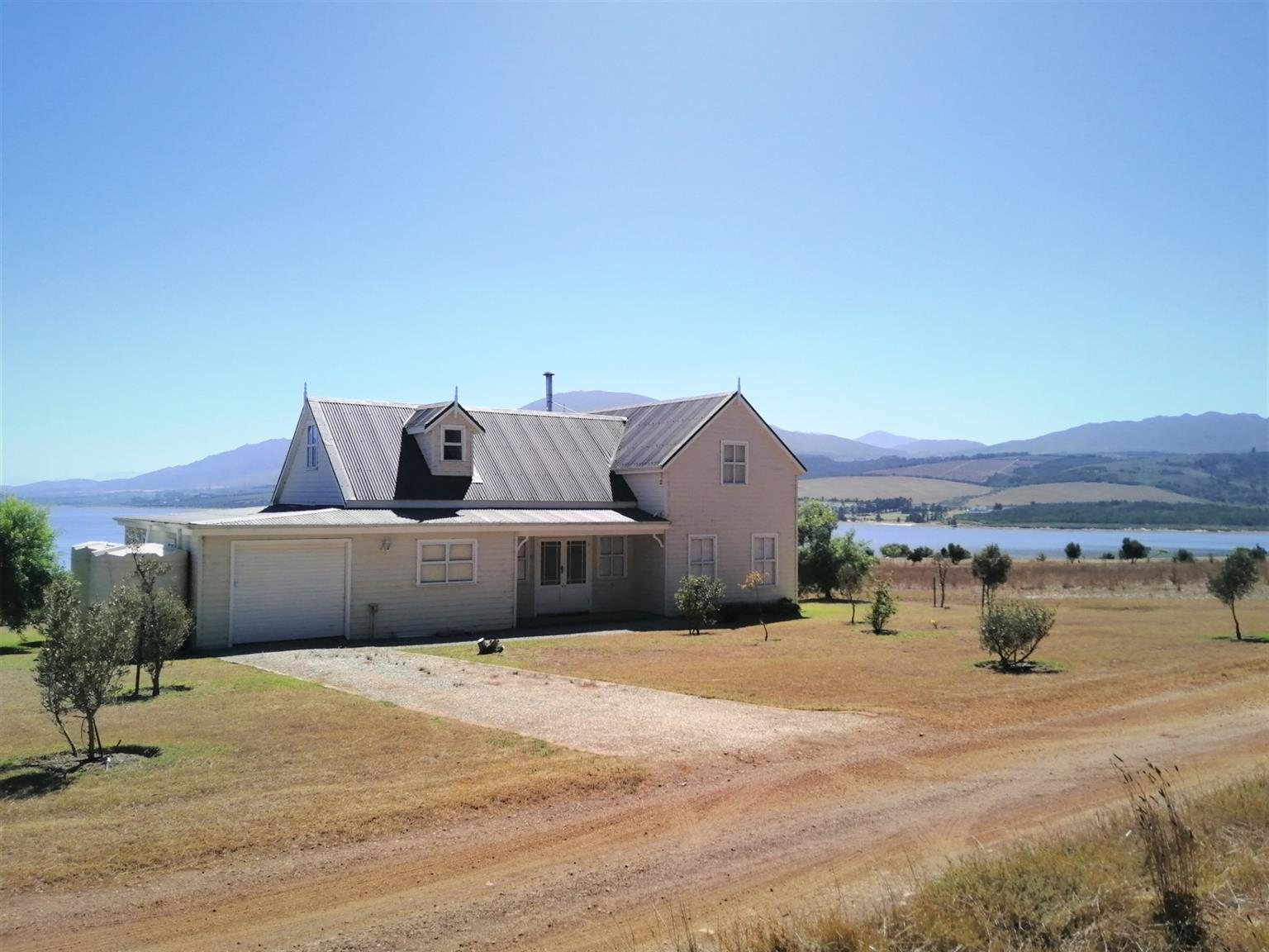 House For Sale in Villiersdorp Rural