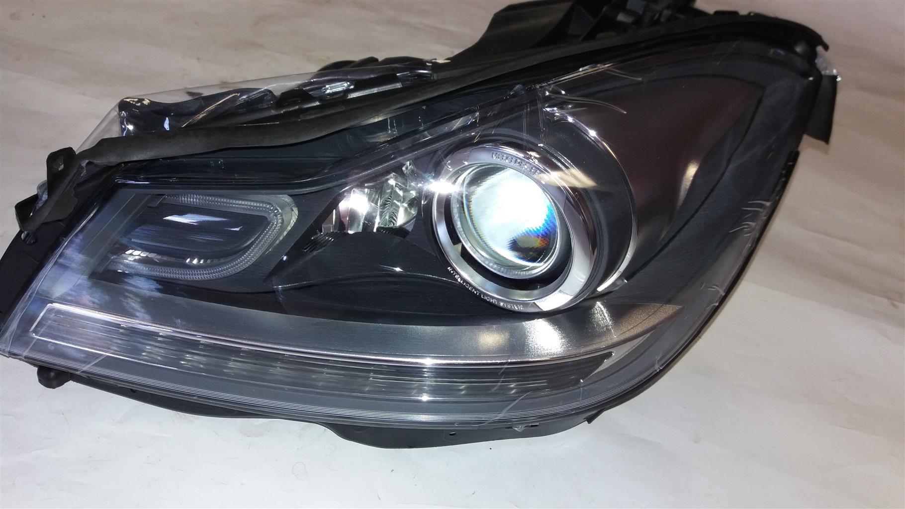 W204  Mercedes Xenon Headlight