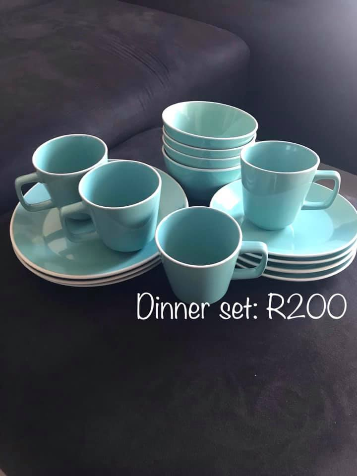Blue dinner and mug set
