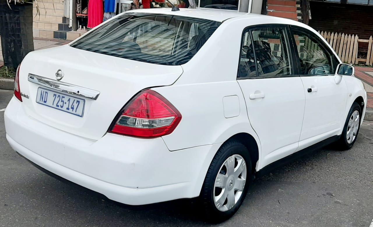 2012 Nissan Tiida sedan 1.6 Acenta