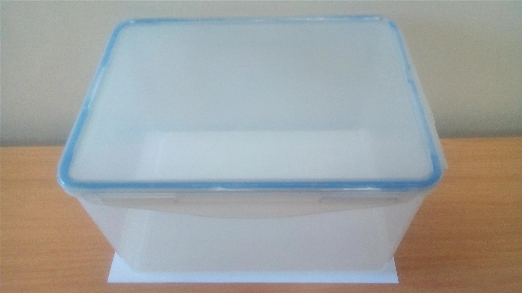8.9 Litre Pioneer Airtight Container
