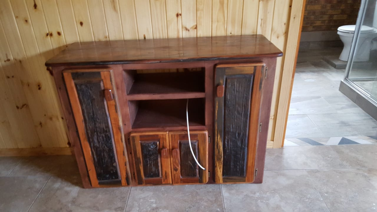 TV and stereo Cabinet