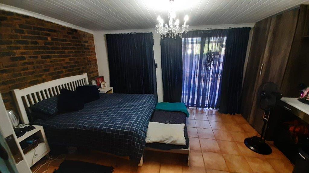 5 Bedroom House Montana Gardens (3 Bedroom house + 2 bedroom flatlet)