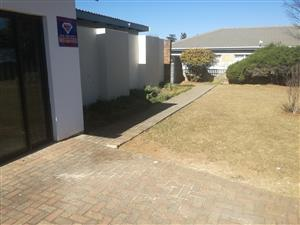 Bachelors flat to let  in  Newcastle - R3250 pm