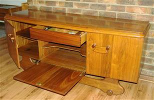 Eetkamerstel - soliede Imbuia hout