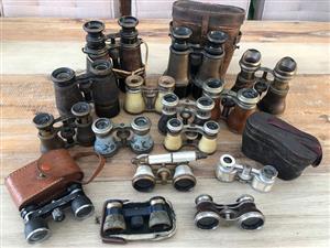 Vintage binocular set