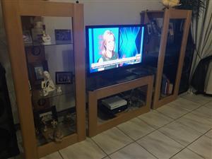 Oak furniture/dresser/wall unit/side entrance table