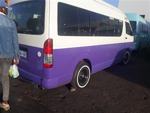 2009 Toyota Quantum 2.5D 4D GL 14 seater bus