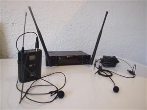 Professional wireless Microphones, with body-pack. One head-worn Microphone also includes lapel mic.