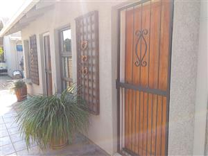 Bachelor flat for rent In Brackenhurst Alberton @ R 3,500 p/m from 1 August